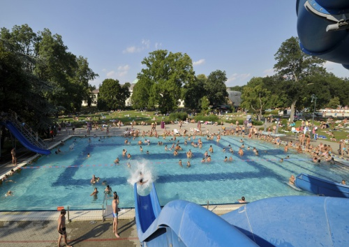 Gyula Castle Bath - Water slide pool - Hunguest Hotel Erkel - Gyula