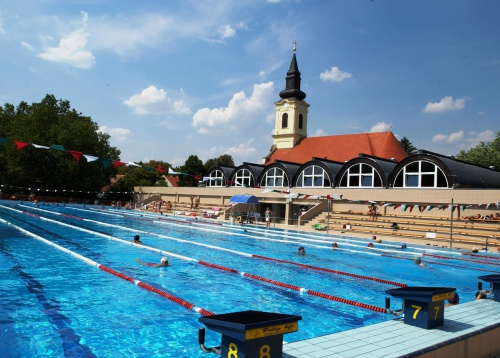 Gyula Castle Bath - 50-m swimming pool - Hunguest Hotel Erkel - Gyula