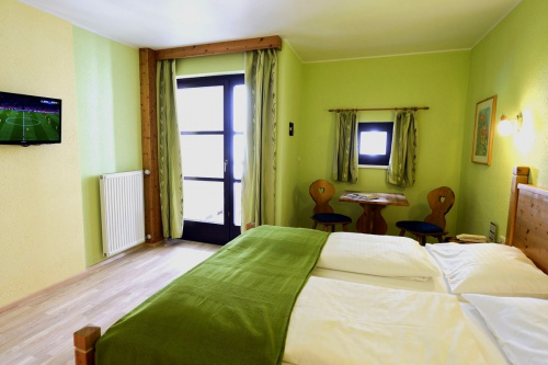 Renovated room with led-TV - Hotel Heiligenblut