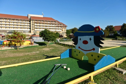 Minigolf experience in the park - Hunguest Hotel Pelion - Tapolca