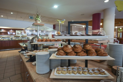 Breakfast with fresh pastries - Hunguest Hotel Pelion - Tapolca