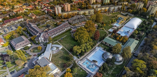 Hotel Flóra - aerial photo - Eger
