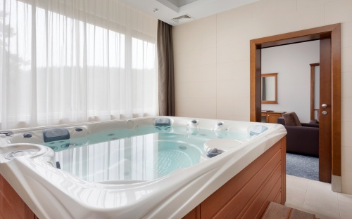 Luxury apartment with private jakuzzi - Saliris Resort Spa & Conference Hotel - Egerszalók